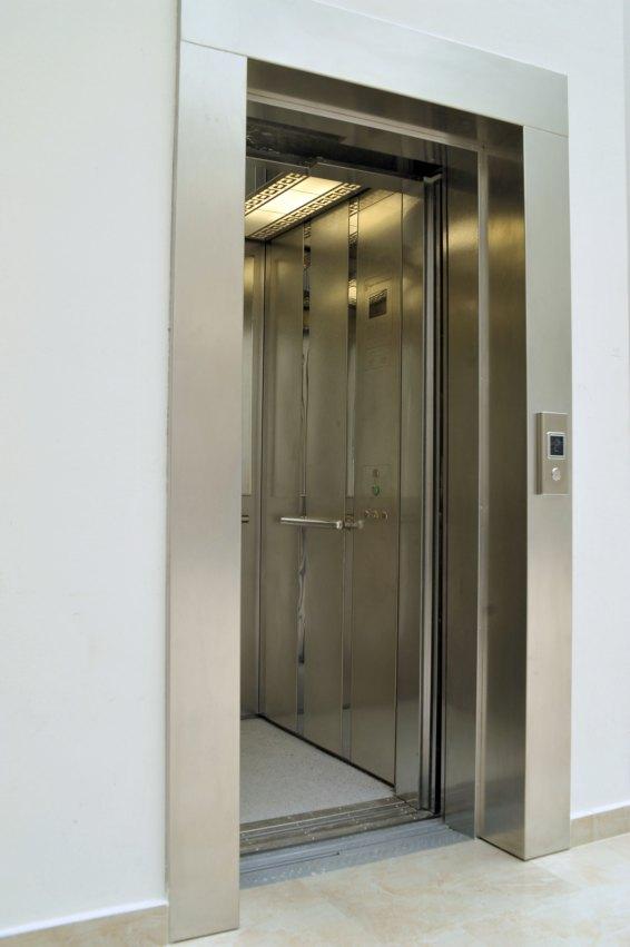 Обрамления и двери из нержавеющей стали